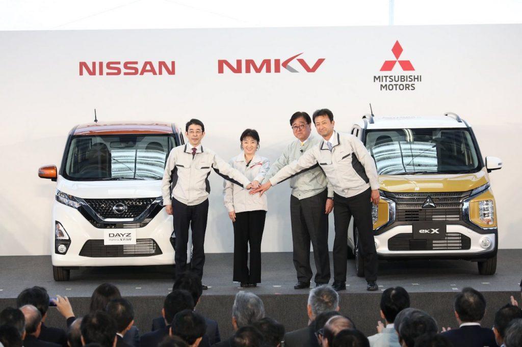 Představeni minivozů NMKV - představitelé Nissan a Mitsubishi