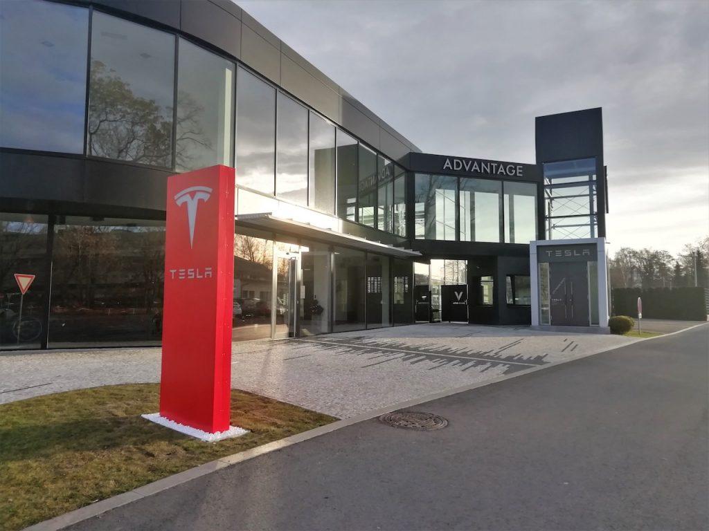 Servis Tesla Praha - showroom - Teslička.cz