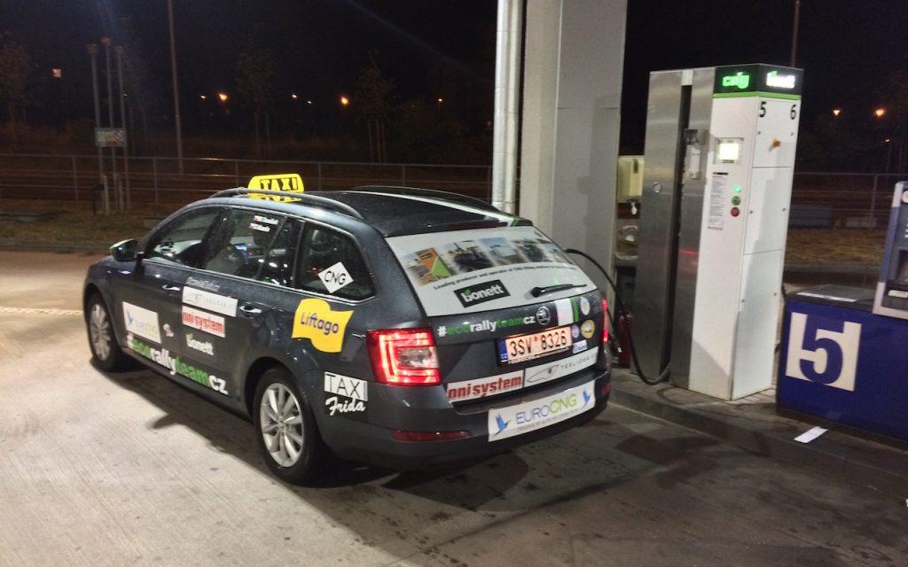 Škoda Octavia G-tec - extremní test CNG - stanice Bonett