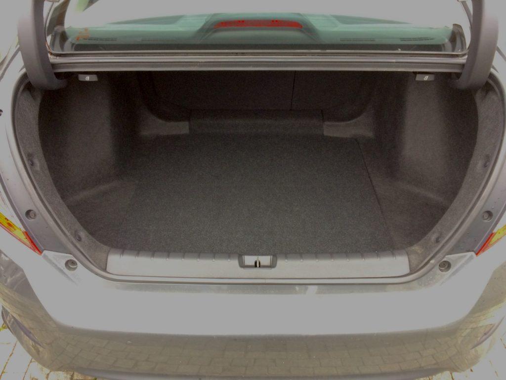 Honda Civic Sedan 1,5 VTEC TURBO 134kW 6MT - zavazadlový prostor