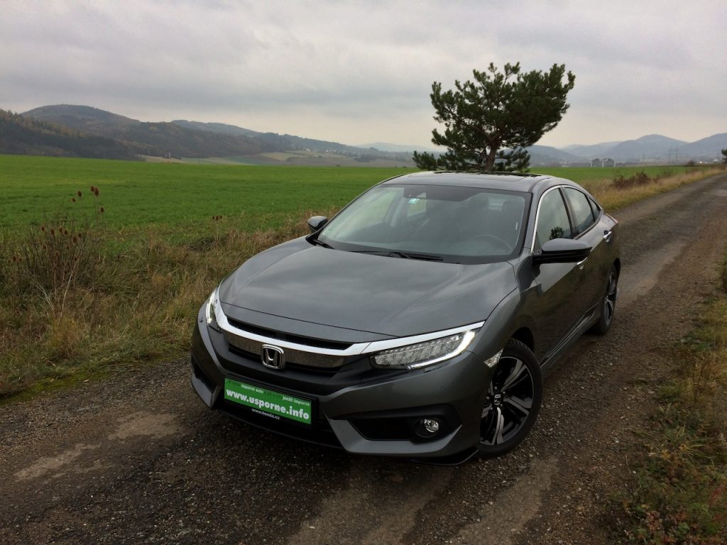Honda Civic Sedan 1,5 VTEC TURBO - zepredu/z vrchu