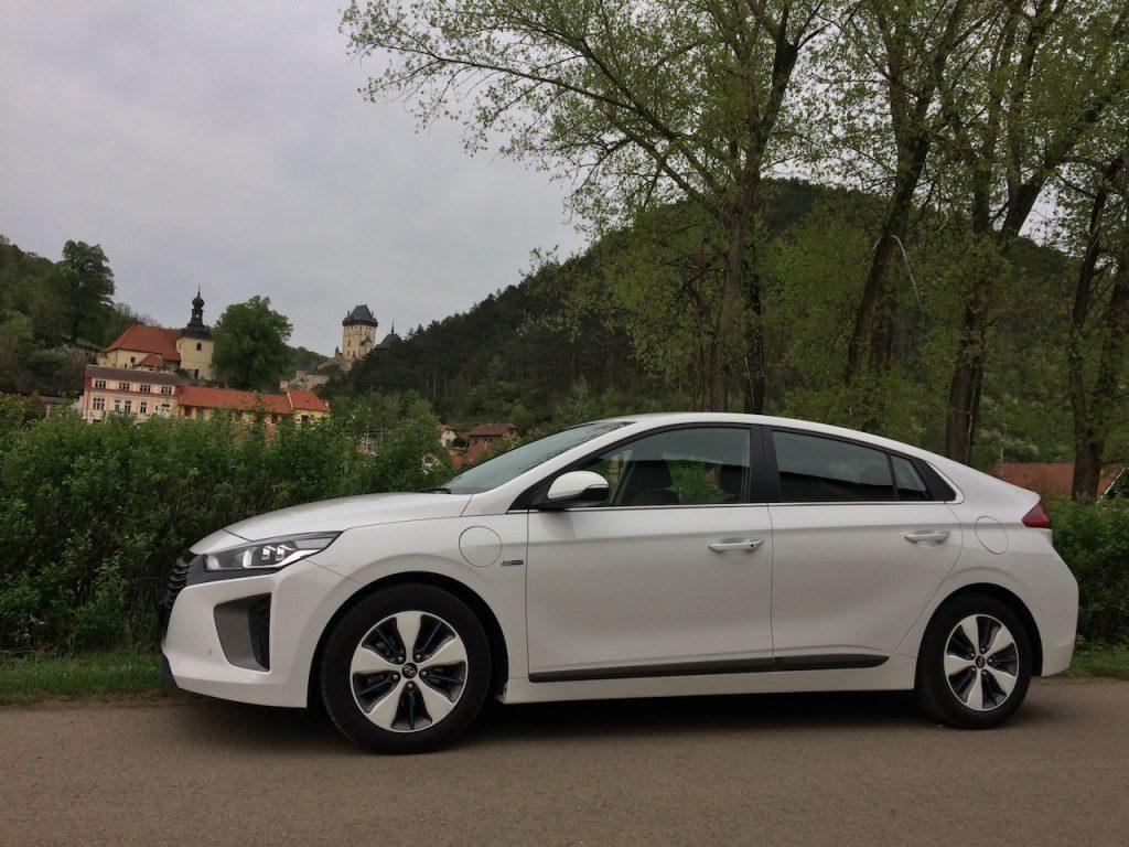 Hyundai Ioniq Plug-in Hybrid - z boku