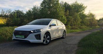 Hyundai Ioniq Plug-in Hybrid - zepředu/z boku