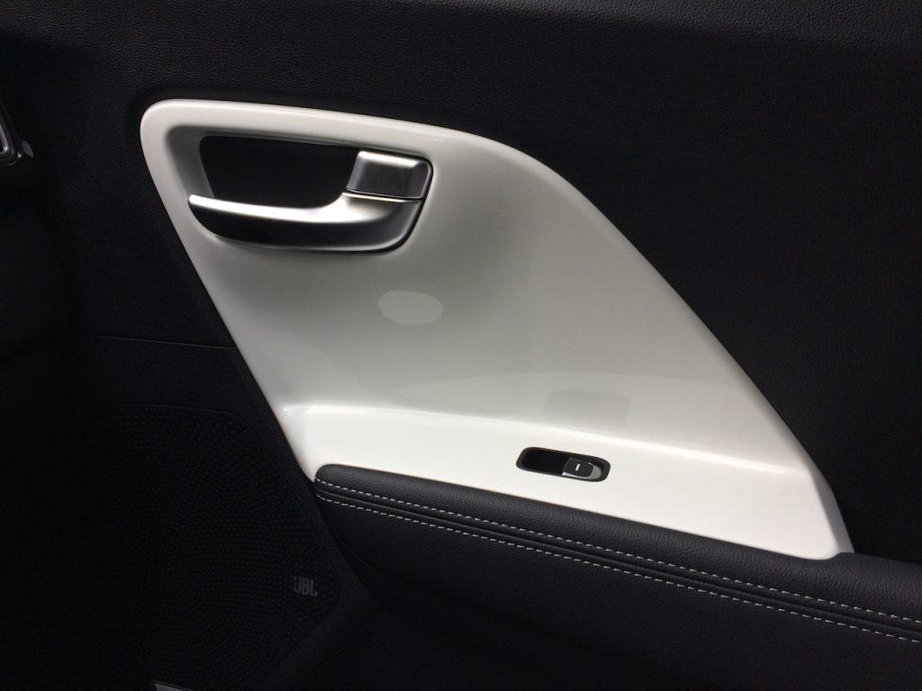 Elektromobil Kia e-Niro - výplně dveří
