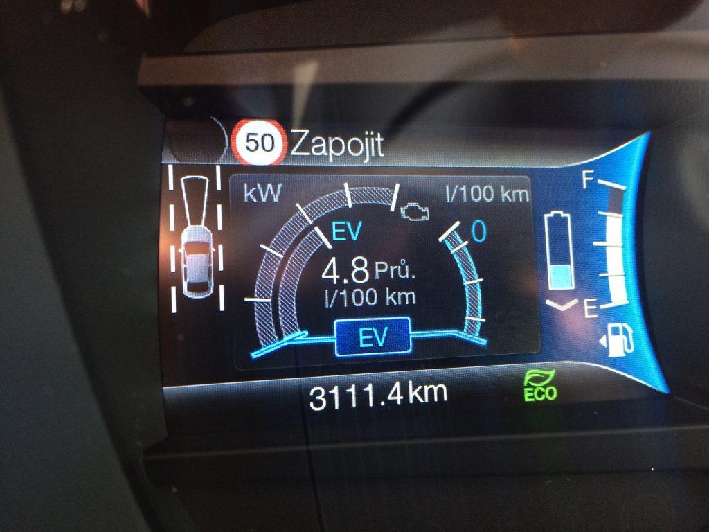 Ford Mondeo Hybrid - spotřeba