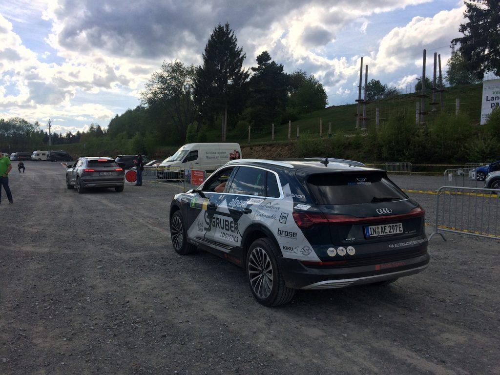 Start do poslední části etapy - Lipno nad Vltavou - Audi e-tron