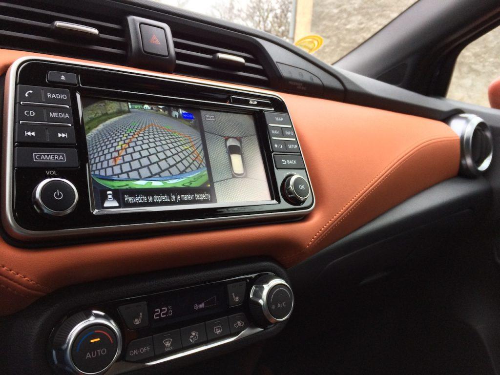 Nissan Micra IG-T 90 - interiér