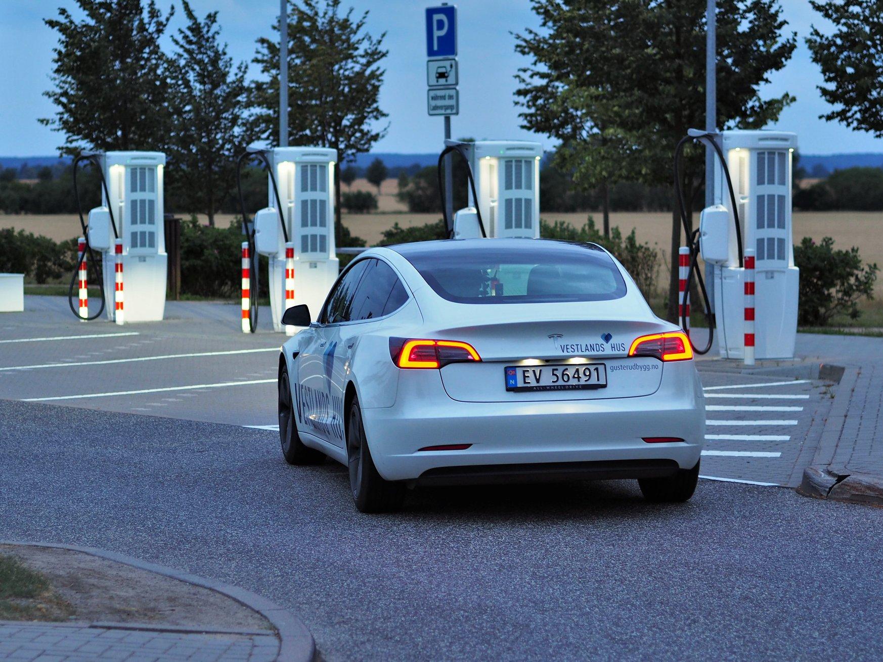 24 hodin rekord Tesla model 3 Long Range