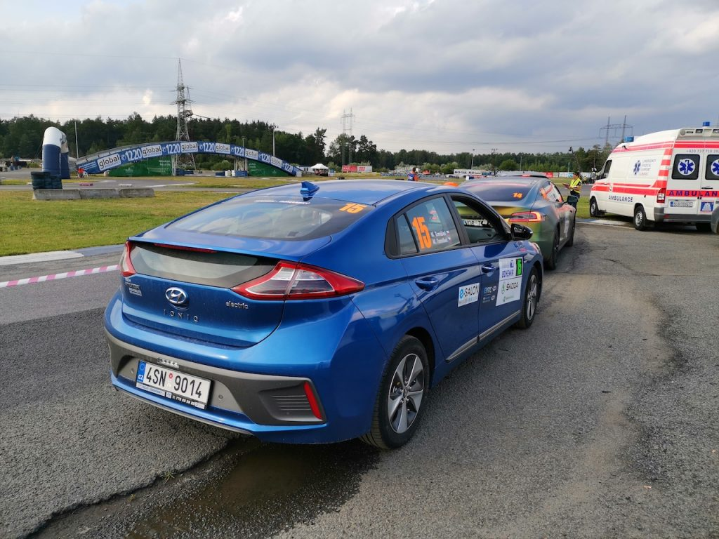 Hyundai Ioniq Electric #EcoRallyTeamCZ - zezadu - Autodrom Sosnová