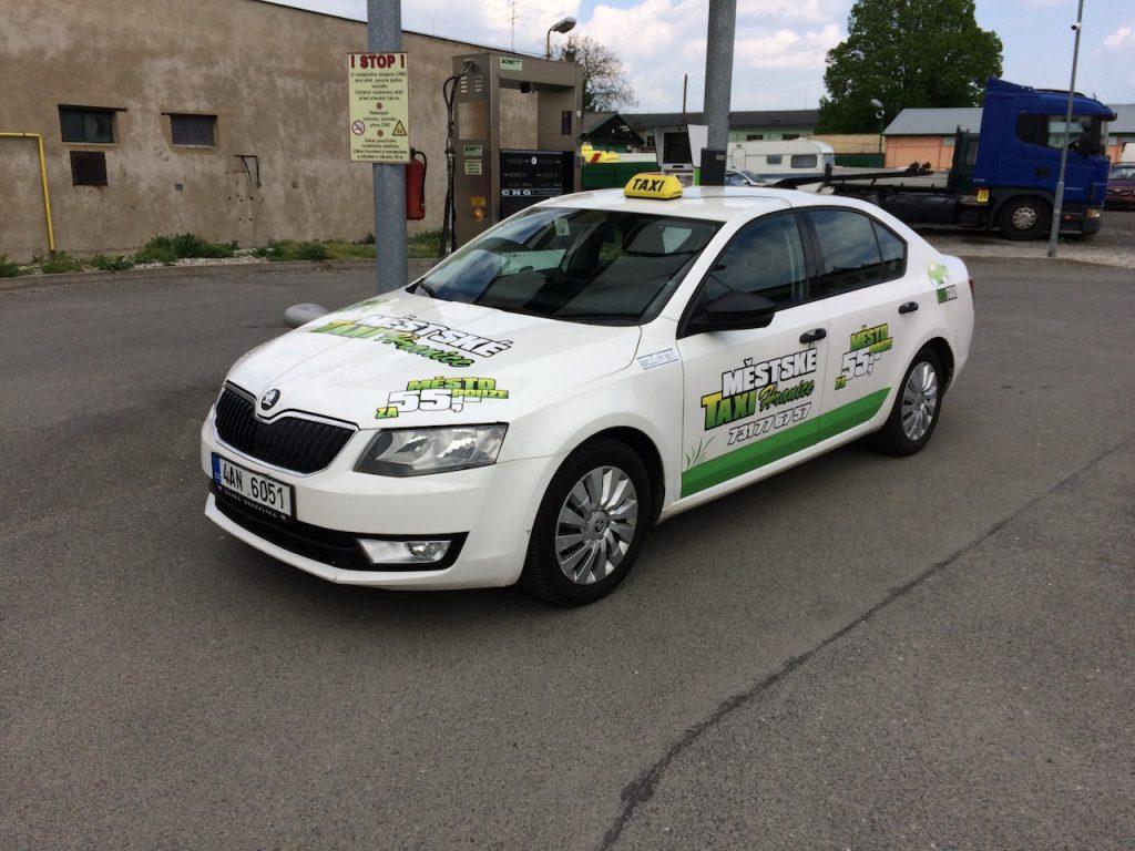 Škoda Octavia G-TEC Taxi Frida tankuje CNG