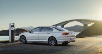 Volkswagen představil nový plug-in hybrid Passat GTE