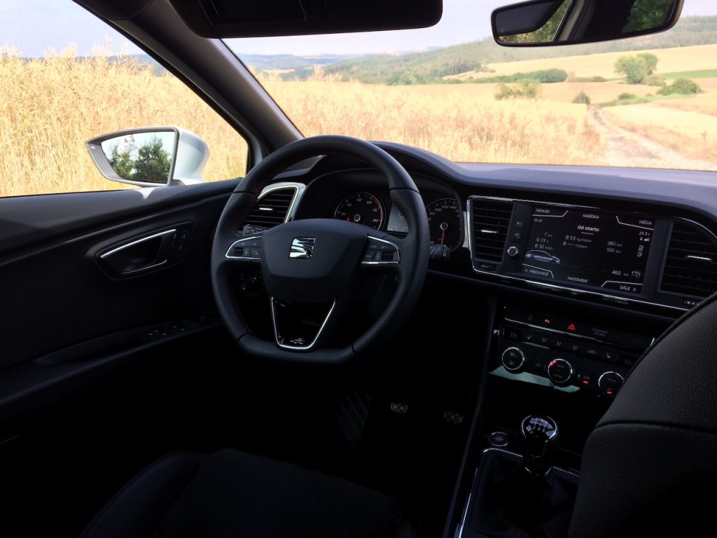 SEAT Leon ST 1,5 TGI Evo FR - interiér