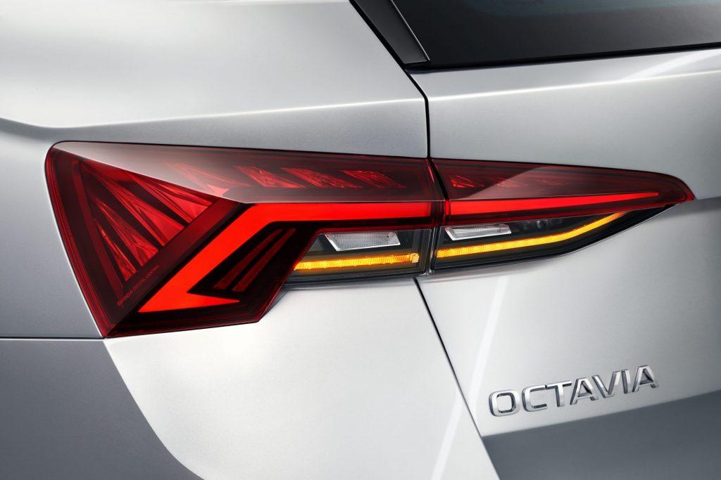 Nová Škoda Octavia Combi - zadní světlo