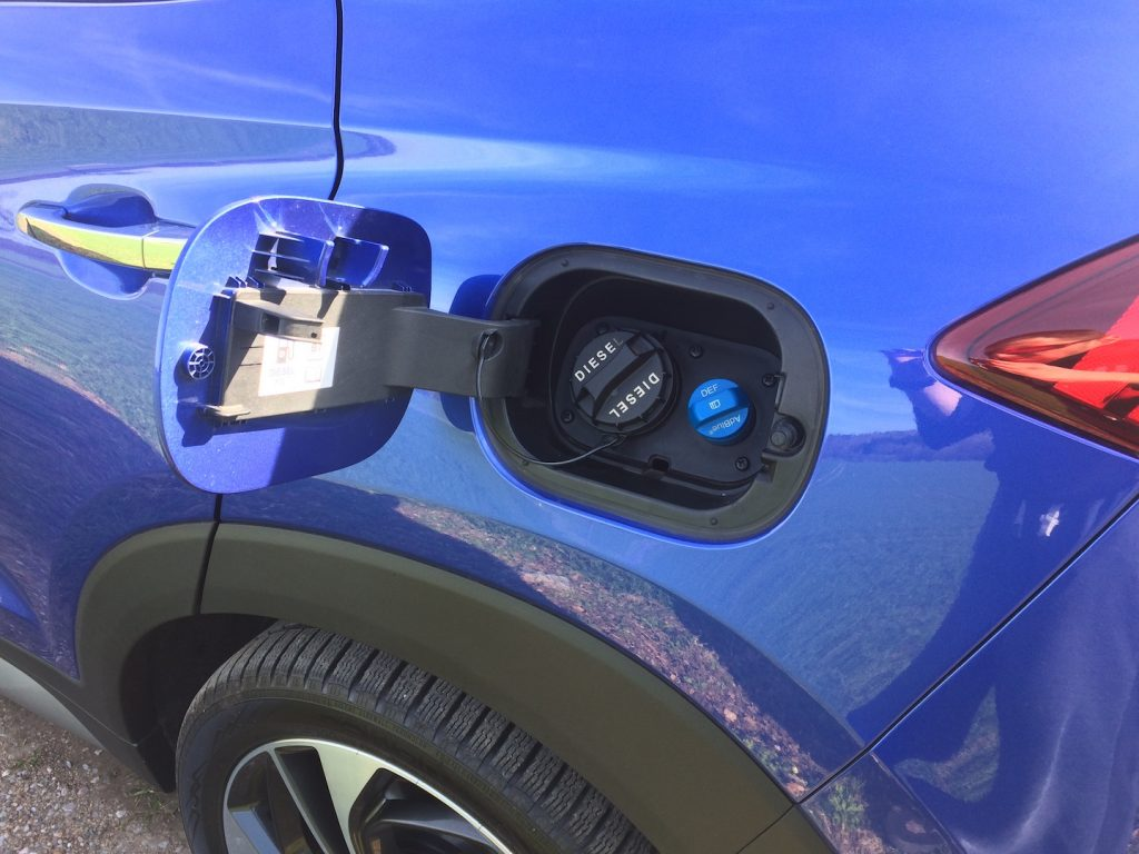 Hyundai Tucson 2.0 CRDi E-VGT Mild-Hybrid 48V - nafta i močovina