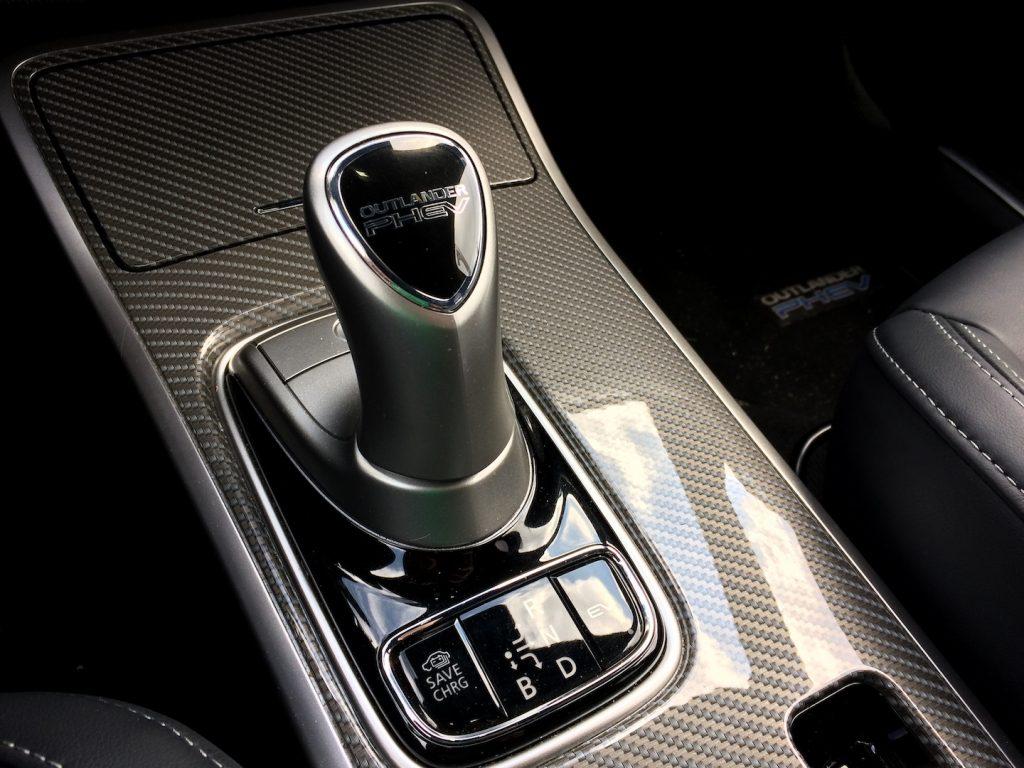 Mitsubishi Outlander PHEV MY19 - řadicí páka