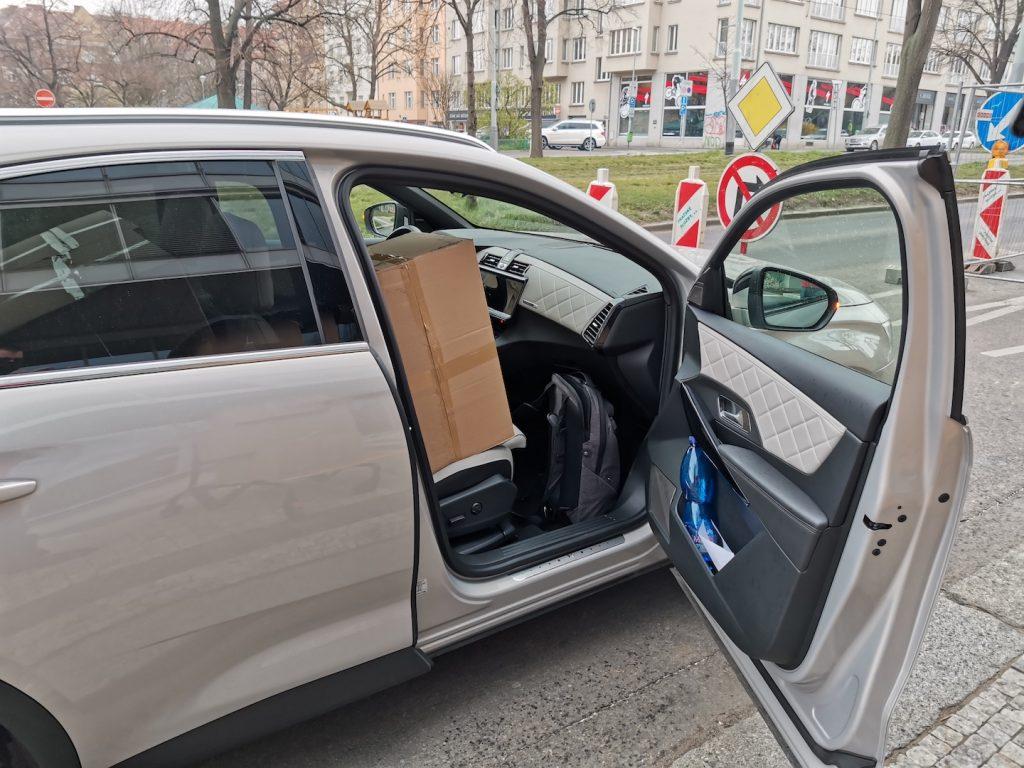 DS7 Crossback E-tense 4x4 - přední sedačka