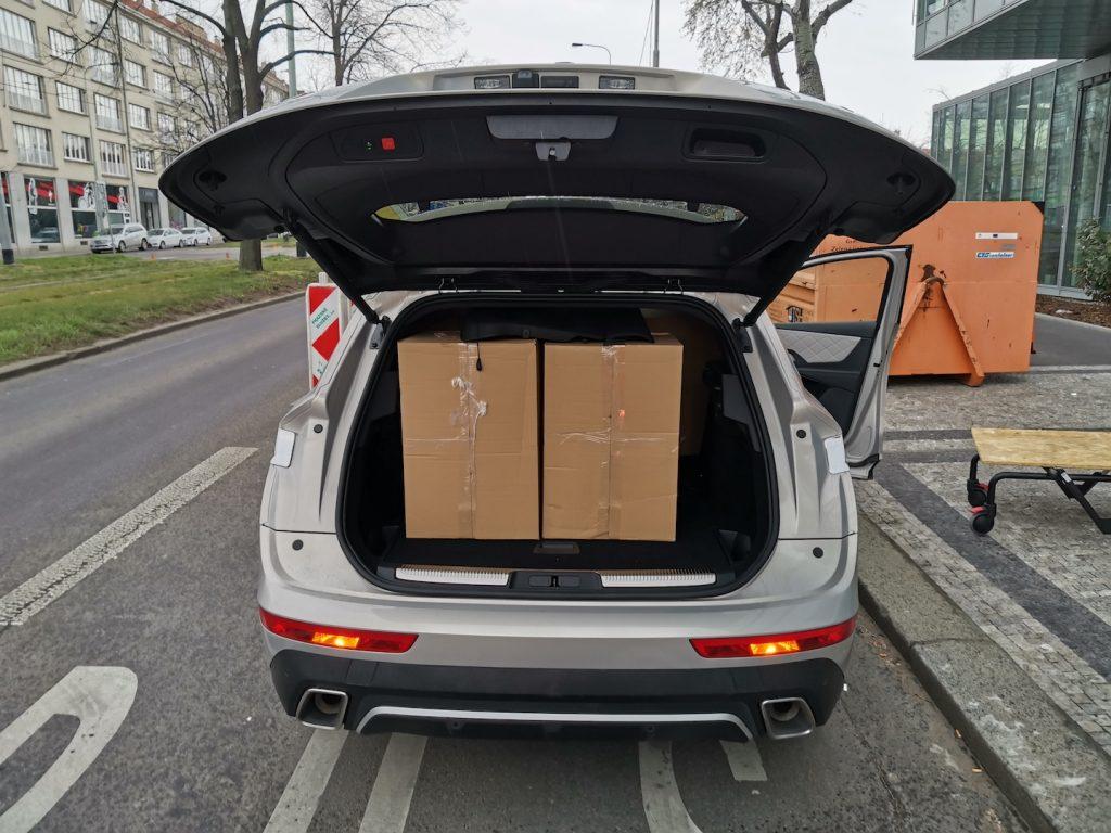 DS7 Crossback E-tense 4x4 - zavazadlový prostor