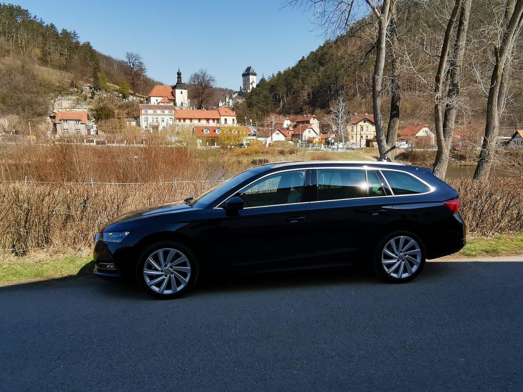 Nová Škoda Octavia - z boku