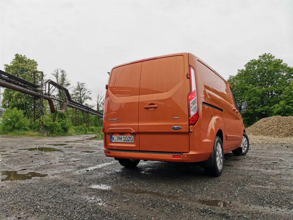 Ford Transit Custom PHEV (plug-in hybrid) zezadu