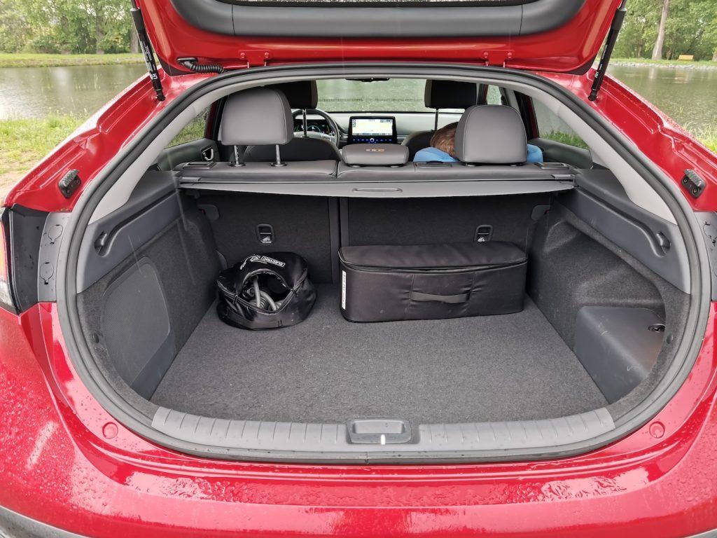 Hyunda Ioniq Plug-in hybrid (PHEV) zavazadlový prostor