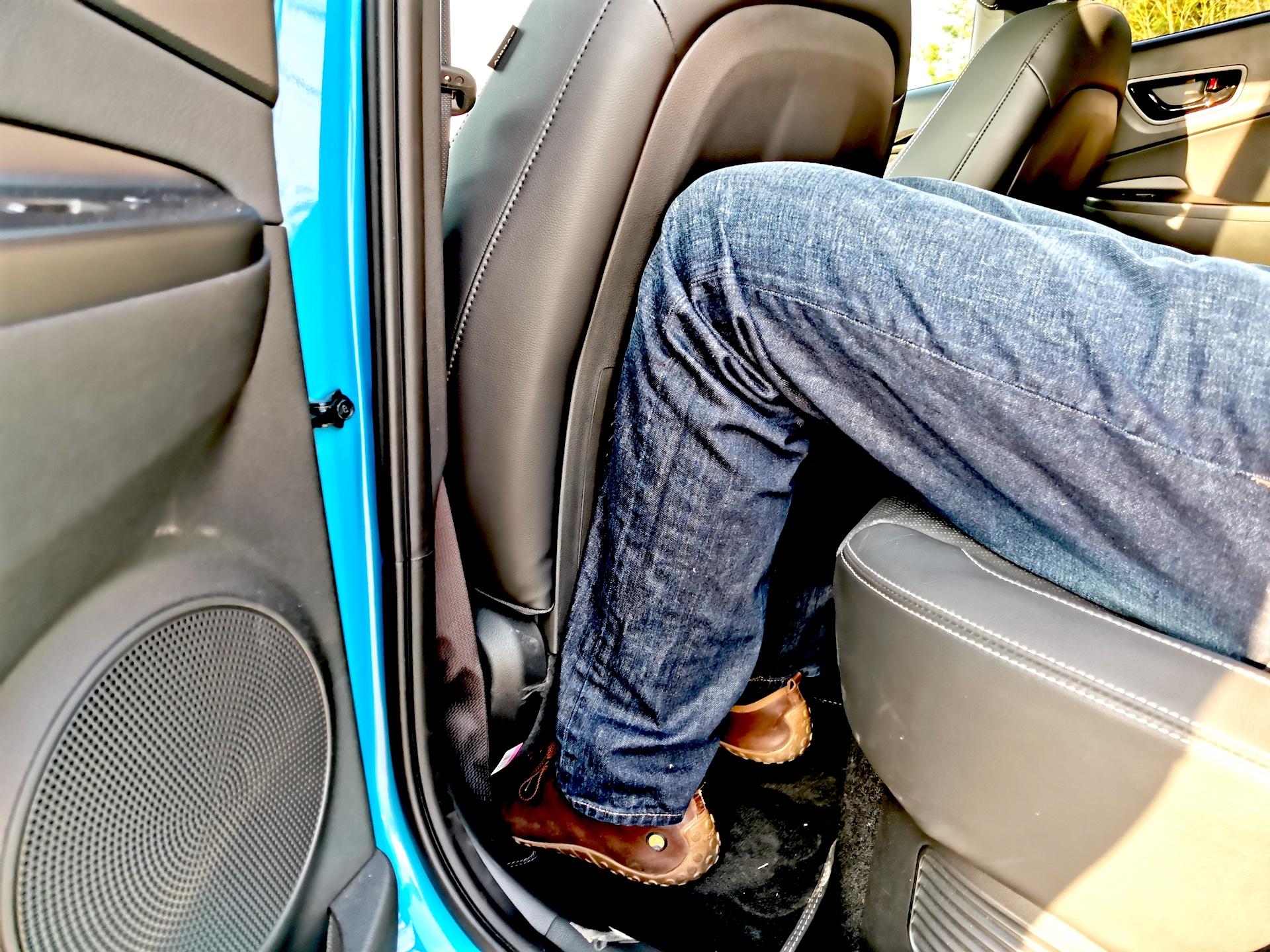 Hyundai Kona Hybrid - prostor vzadu