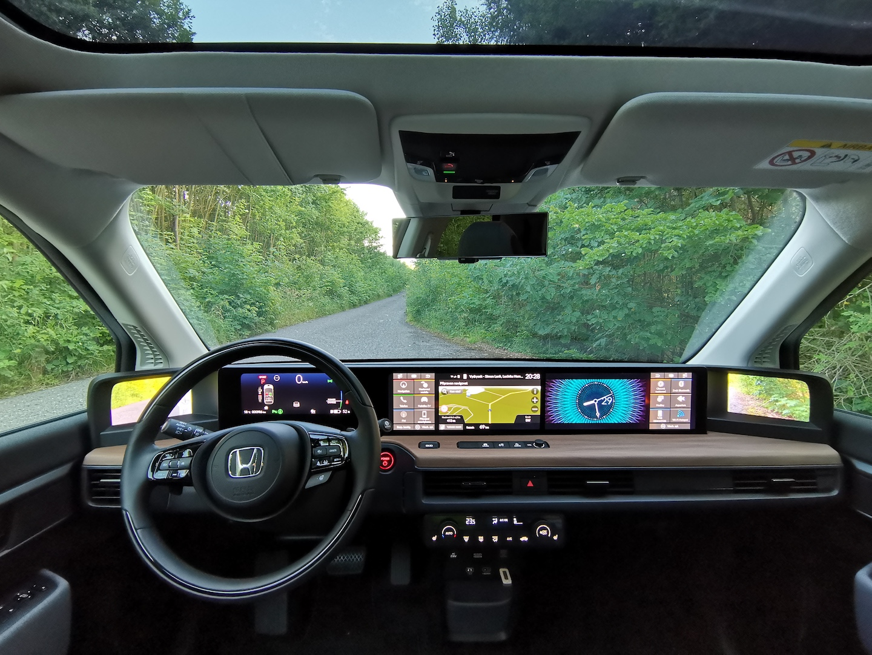 Honda e Advance - interiér