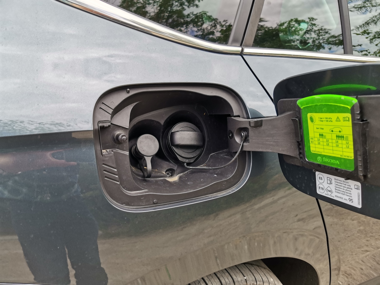 Škoda Kamiq G-TEC (CNG) - hrdlo nádrže