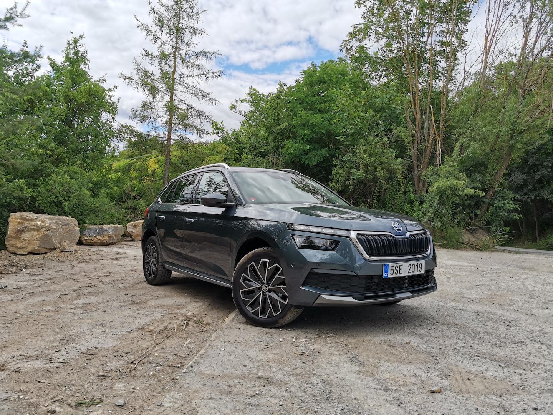 Škoda Kamiq G-TEC (CNG) - zepředu / z boku