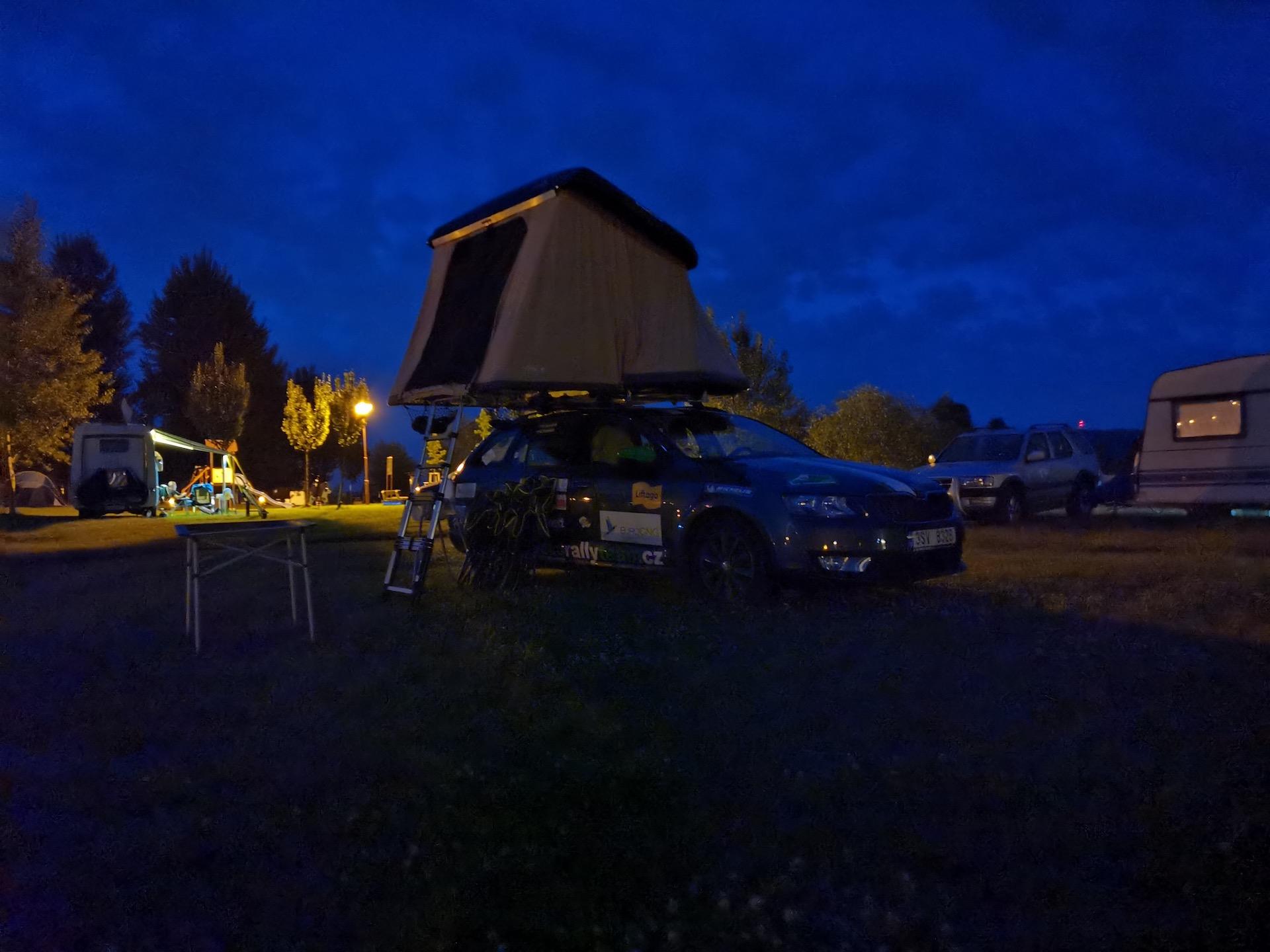 Stan na střechu Hussarde Quattro