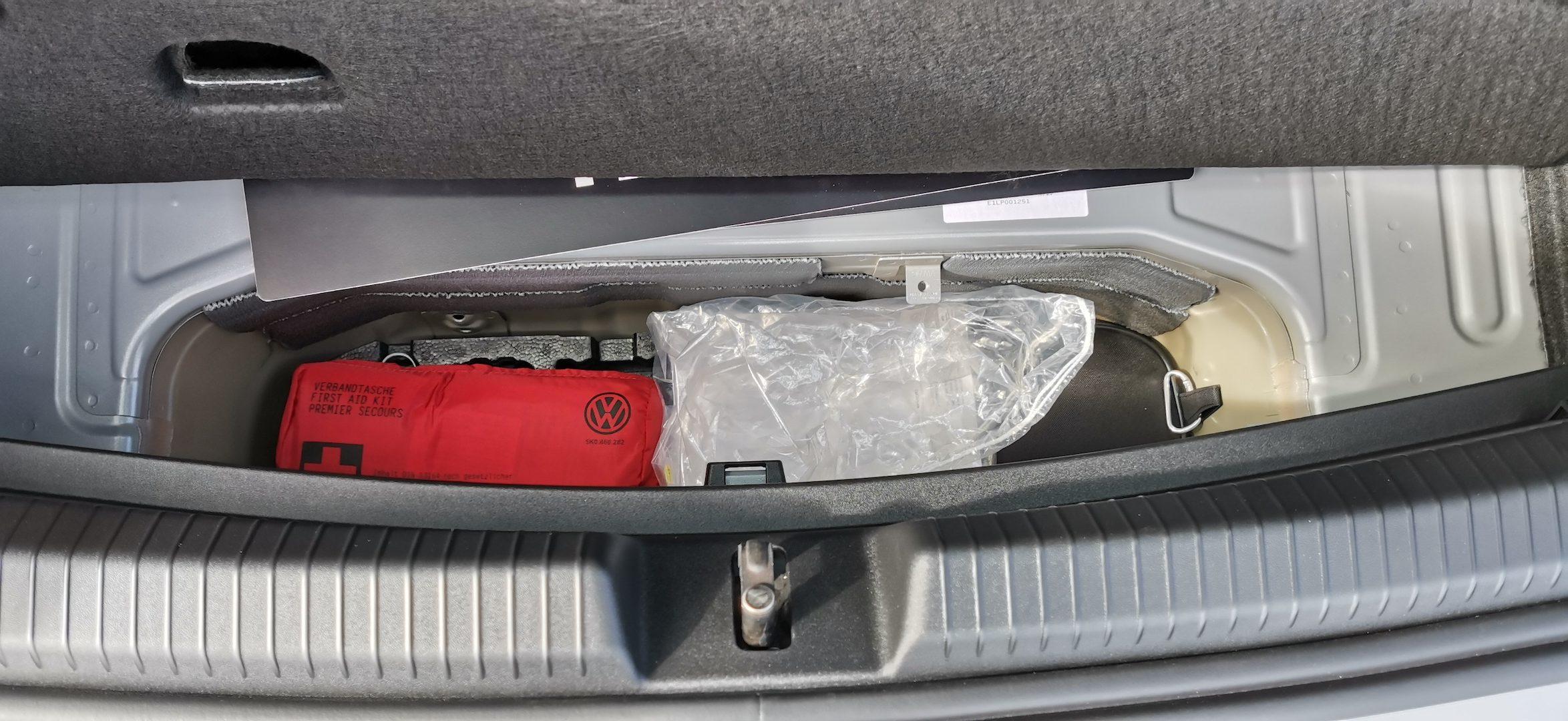 Volkswagen ID.3 - přihrádka na kabely