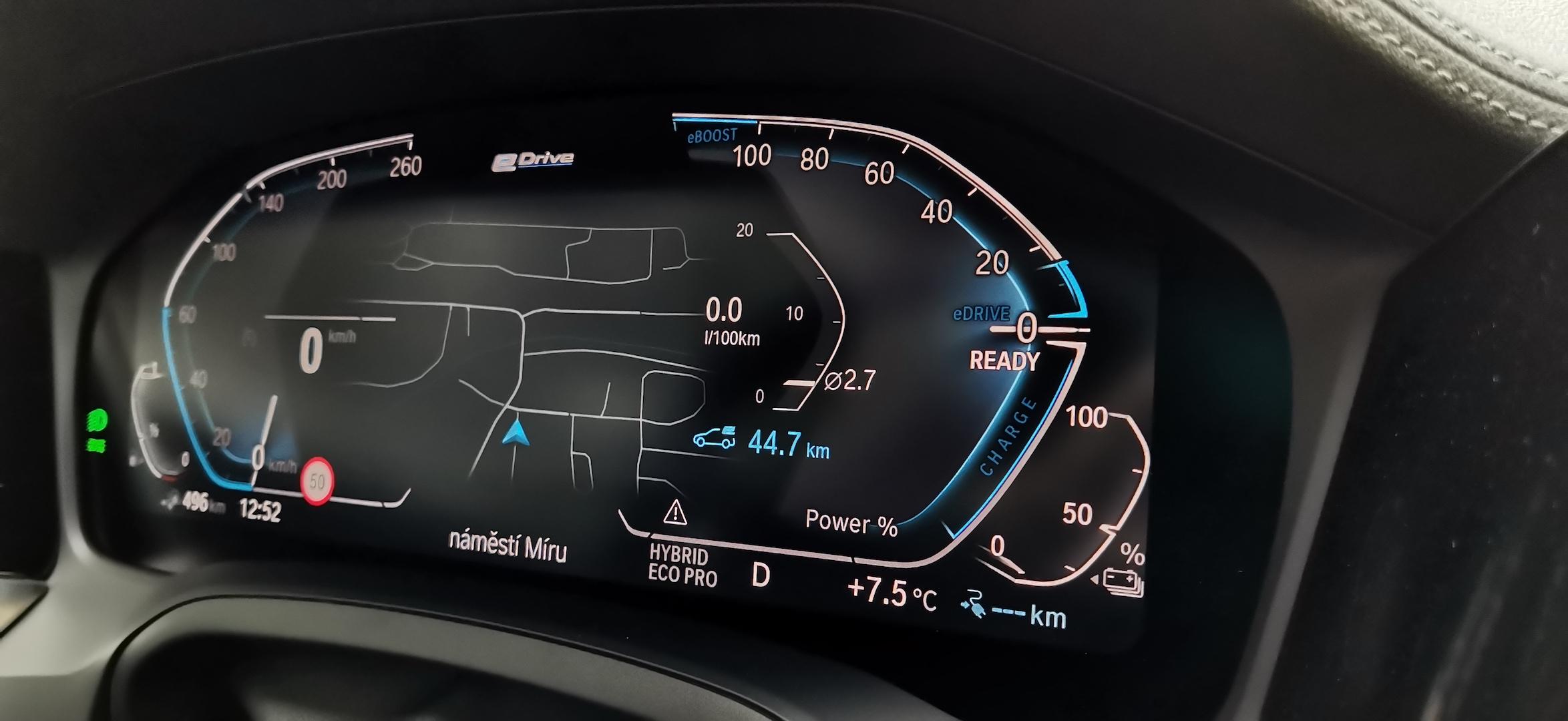 BMW 330e - kombinovaná spotřeba