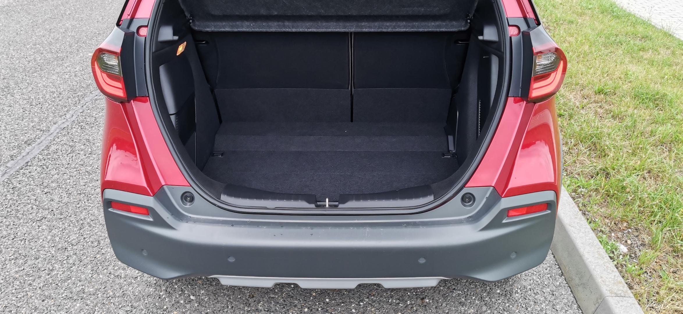 Honda Jazz Hybrid Crosstar - zavazadlový prostor