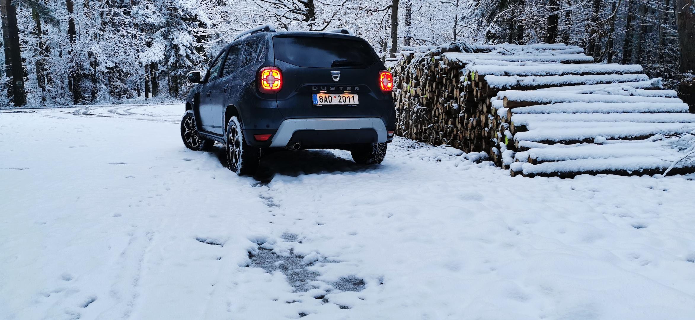 Dacia Duster TCe 100 LPG - zezadu