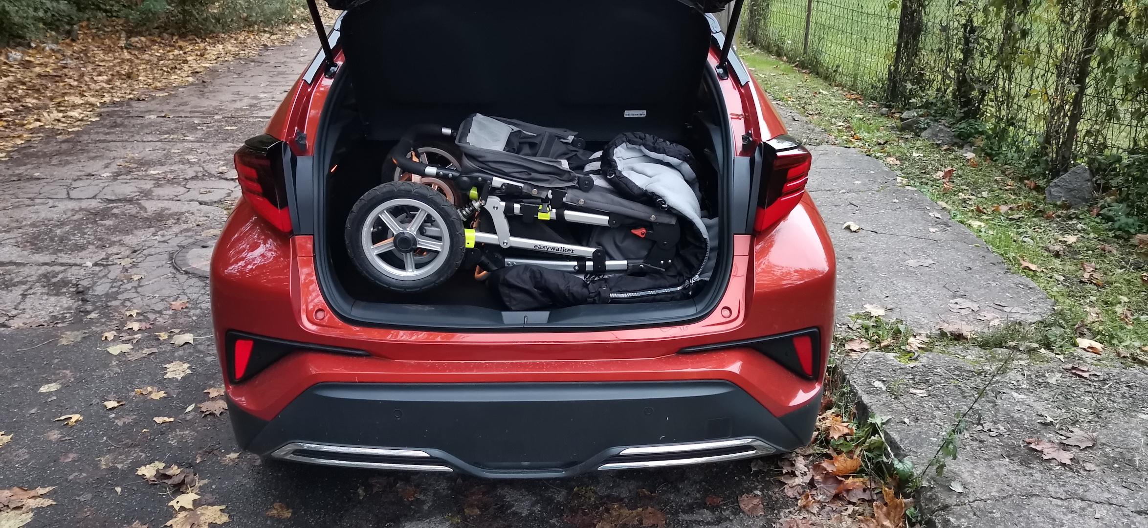 Toyota C-HR Hybrid - zavazadlový prostor