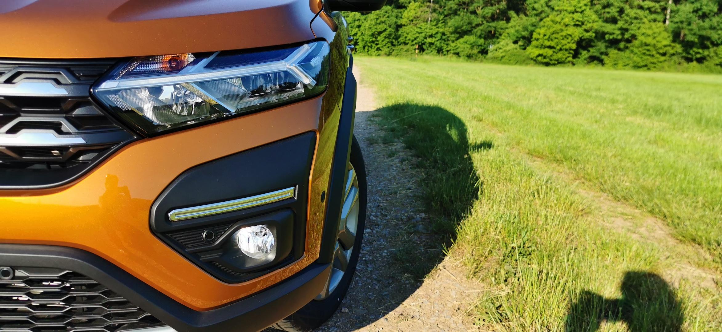 Dacia Sandero Stepway 1,0 TCe LPG - přední světlo