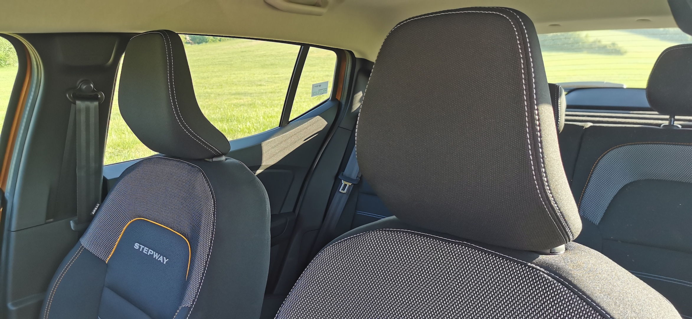 Dacia Sandero Stepway 1,0 TCe LPG - sedačky